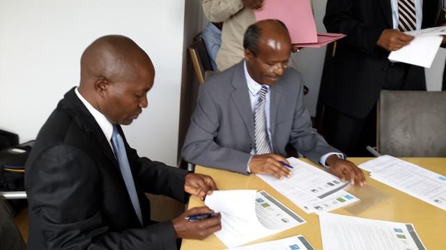 J.D Munyampeta (PDP) et J. Bukeye (FDU-Inkingi)